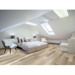 VV024-00710-room.jpg